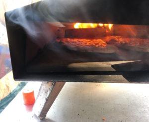 ウッドペレットのピザ窯